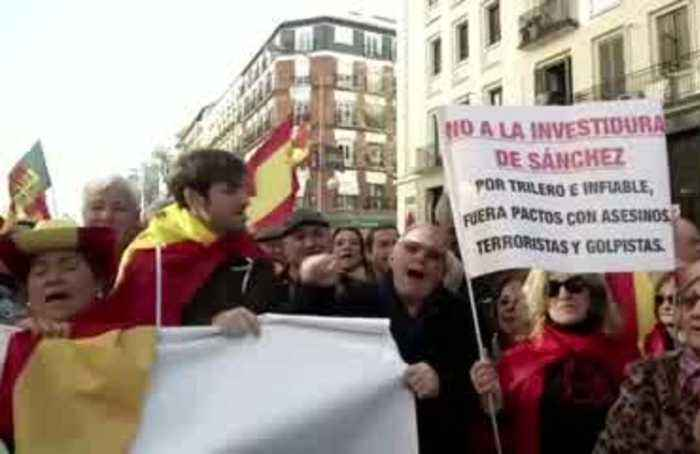 Thousands protest Madrid's 'sell-out' Catalan agreement