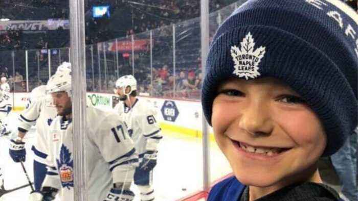 Bakery Mishap: 8-Year-Old Toronto Maple Leafs Fan Gets The Wrong Cake
