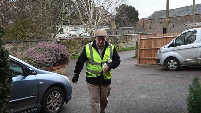 One of Britain's oldest milkmen still delivering morning pints aged 85
