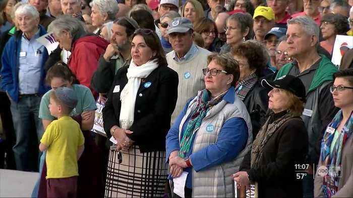 Sarasota community holds solidarity rally after anti-Semitic attacks in other states