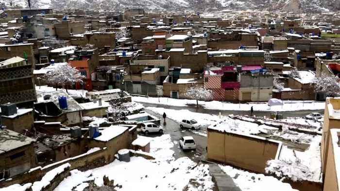 Avalanches in Kashmir kill dozens