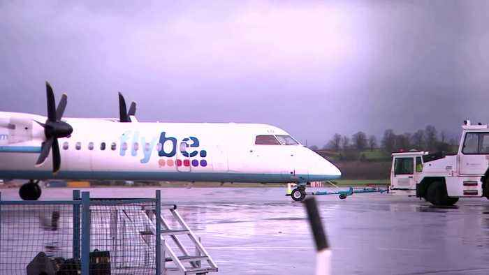 Airline boss Walsh condemns UK help for Flybe
