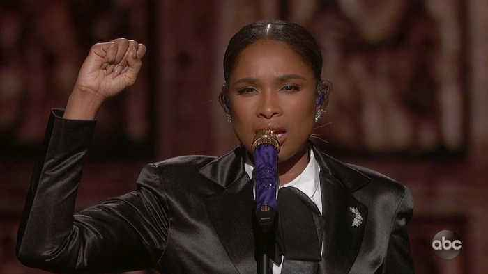 Jennifer Hudson Sings 'I'll Fight' Live at Oscars 2019