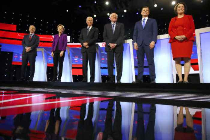 Top Moments From the Democratic Debate in Iowa