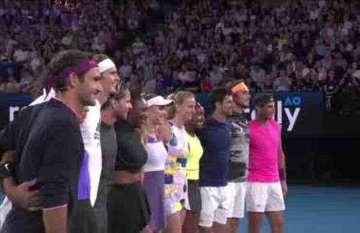 Tennis stars raise money for Australia fire relief