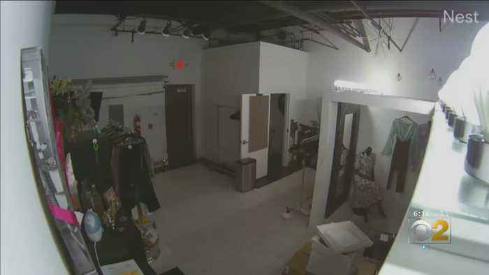 Would-Be Jewel Thieves Caught On Camera