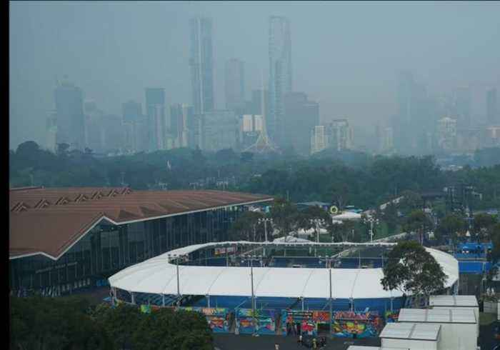 Australian Open organisers on alert for return of bushfire smoke