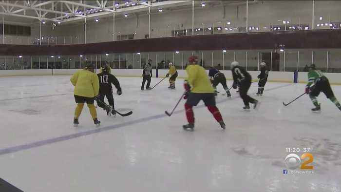 New Jersey Ice Rink Welcomes Blind Hockey League