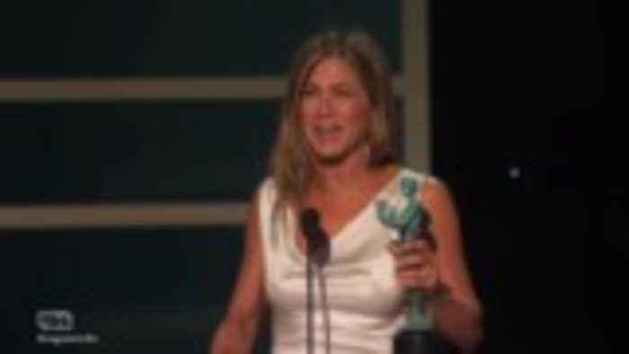 2020 SAG Awards Backstage: Jennifer Aniston & Brad Pitt Win Big, 'Parasite' Wins Big   THR News