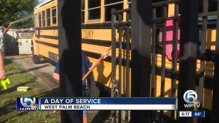 Jewish Federation of Palm Beach County spends MLK Day volunteering
