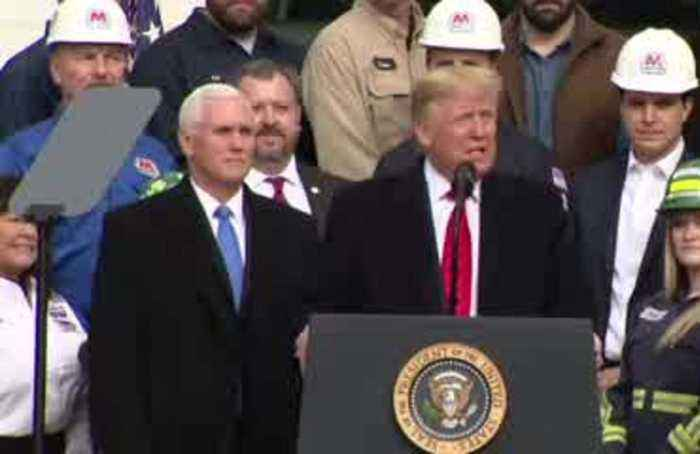 Trump jokes about border wall at USMCA event