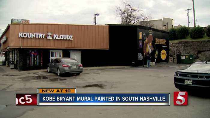Fans honor Kobe Bryant with mural painted in South Nashville