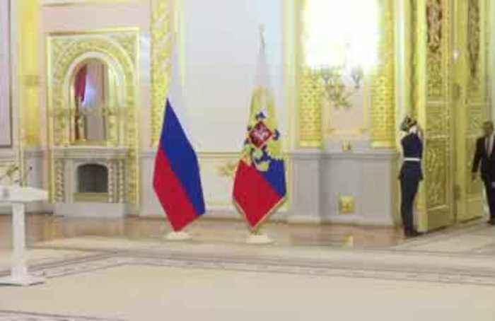 Putin receives new UK, U.S. ambassadors