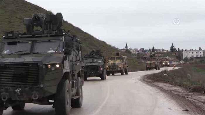 Syria war: Turkey sends military reinforcements to Idlib