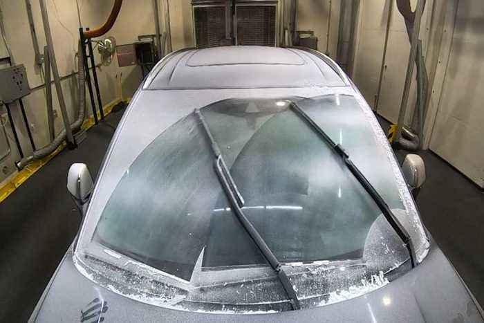 Lincoln's heated windshield wipers