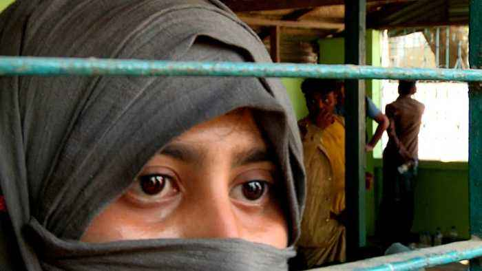 Rohingya refugees die after boat capsizes off Bangladesh