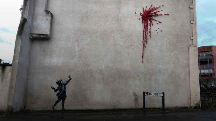 'Banksy' mural appears in Bristol, UK