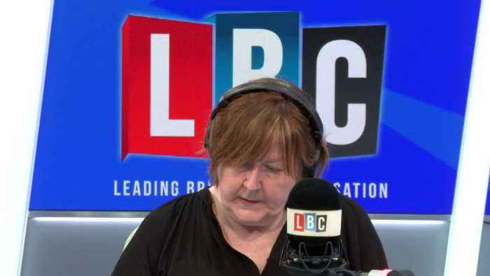 Andy West tells LBC about his concerns after travelling on a plane with a suspected coronavirus case