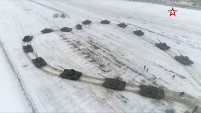 Soldier uses heart of tanks for proposal