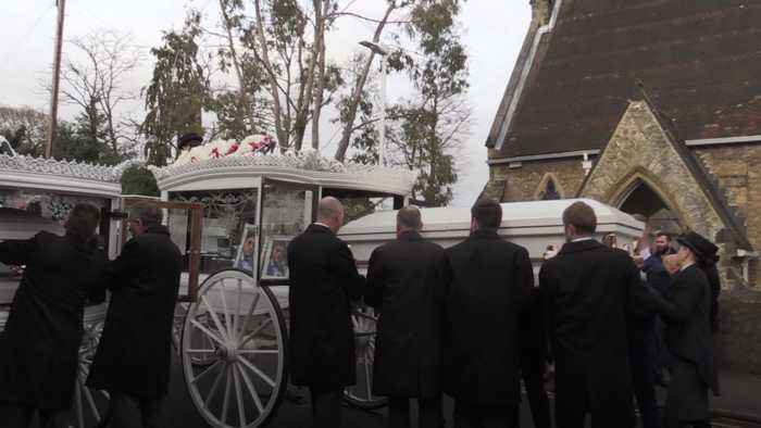 Horse-drawn carriages lead funeral procession for My Big Fat Gypsy Wedding stars
