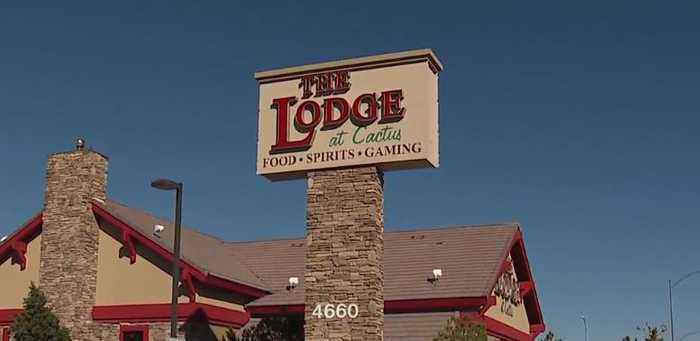 2 Las Vegas police officers denied service at local bar and restaurant
