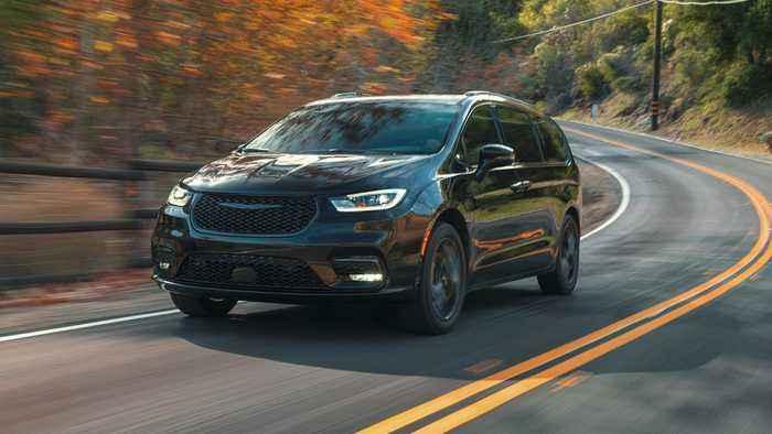 2021 Chrysler Pacifica minivan brings back all-wheel drive