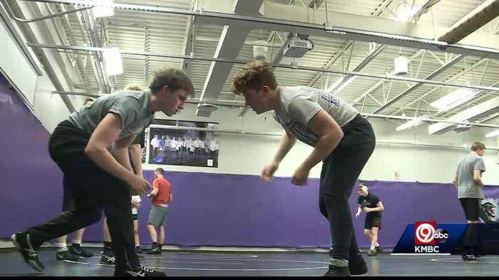 Park Hill South wrestler hopes to make history at state