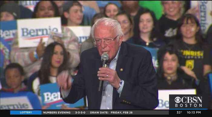 Bernie Sanders Rallies Supporters In Springfield