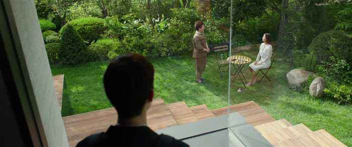 People are pointing out that JLo's house looks eerily like the one from 'Parasite'
