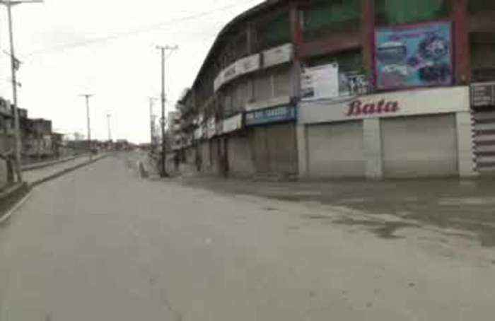 Empty streets of India under lockdown
