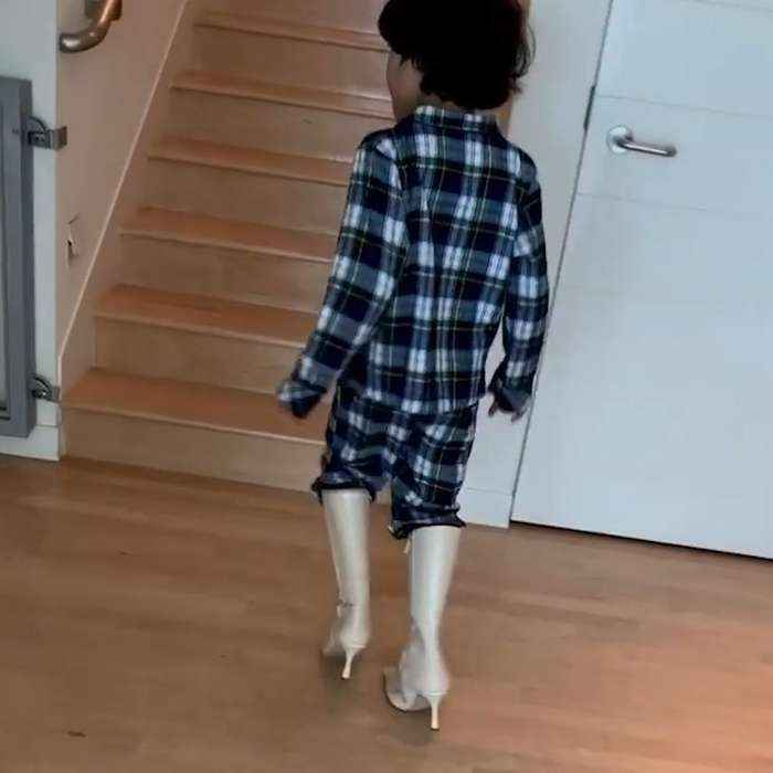 Halle Berry's 6-year-old son tries to walk in her heels at home