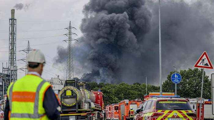 One dead, four missing after explosion at chemical complex in Germany