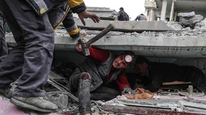 News video: Syria's White Helmet Rescuers Capture Destruction in Eastern Ghouta