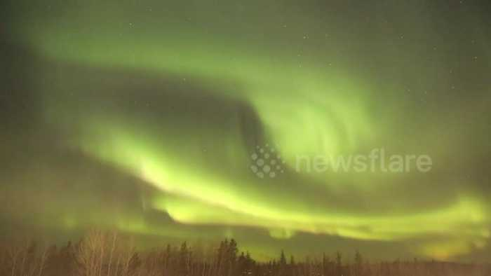 News video: Time-lapse footage of 'foggy' northern lights in Canada