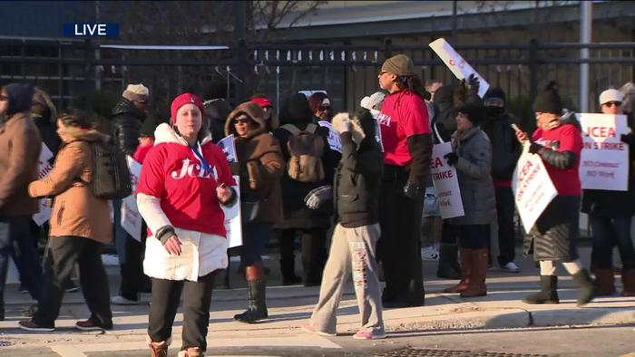 Jersey City Teachers on strike After Contract - One News Page VIDEO
