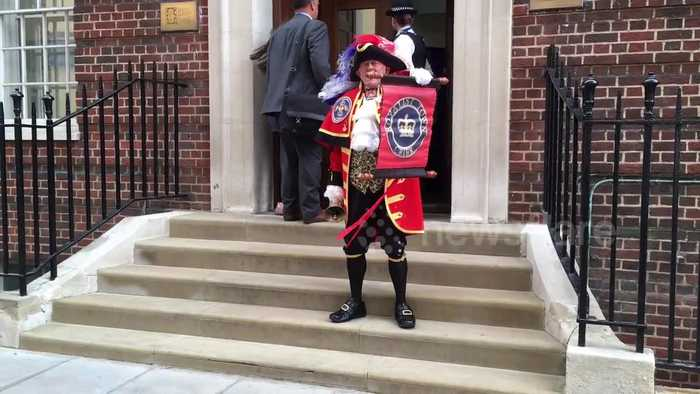 News video: Town crier announces birth of Duke and Duchess of Cambridge's baby boy