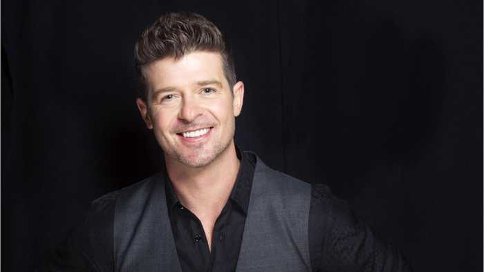 Robin Thicke Pays Tribute To Aretha Franklin With His Family