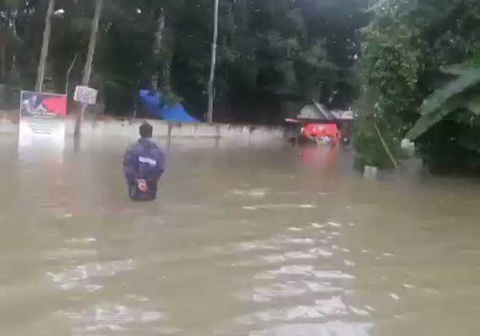 India Coast Guard Carries Out Rescues In Flooded Kerala
