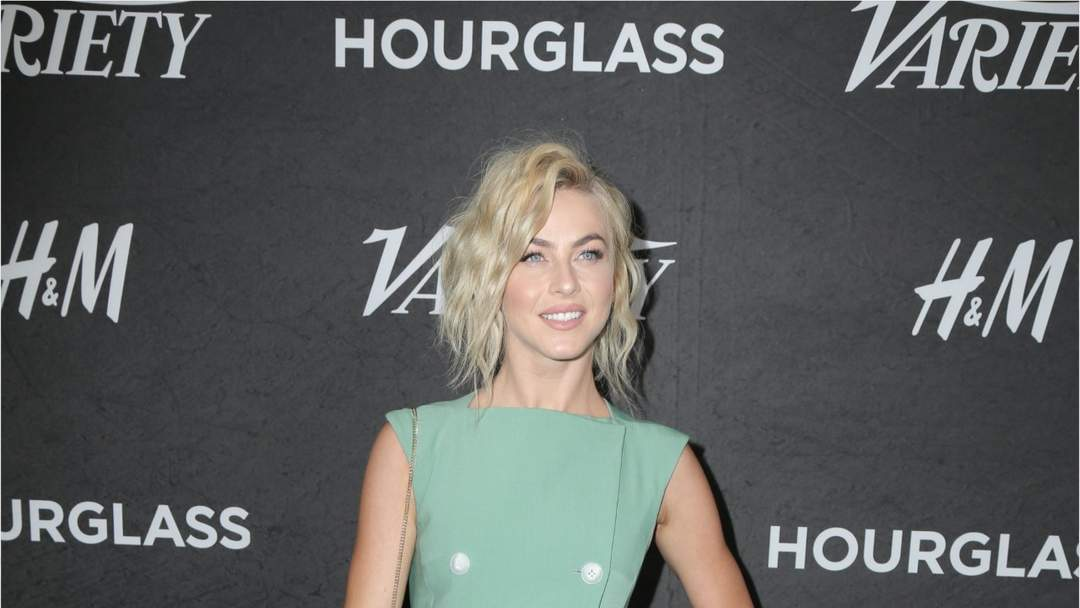 Julianne Hough To Play Jolene In New Show One News Page