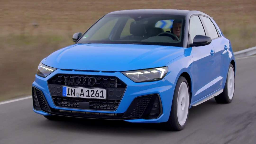 2018 audi a1 in turbo blue driving video one news page video. Black Bedroom Furniture Sets. Home Design Ideas