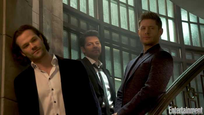 'Supernatural' Cover: The Cast Comes Together For a Family Reunion in Honor of Their 300th Episode