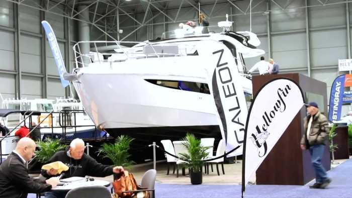 New Yorkers shop at the 2019 New York Boat Show