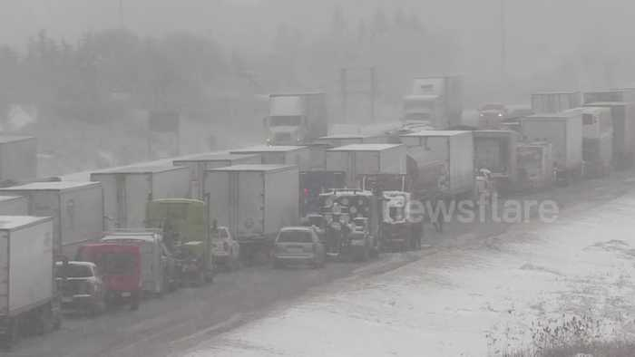Winter storm causes massive traffic gridlock on Ontario highway