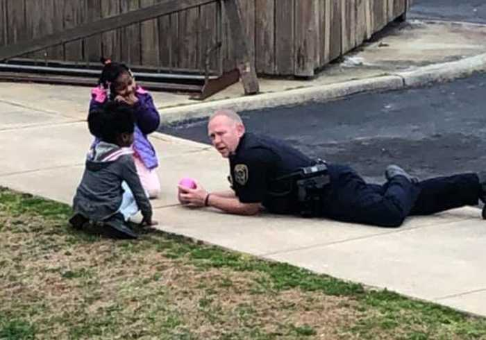 Virginia Police Officer Takes Time to Play With Neighborhood Kids