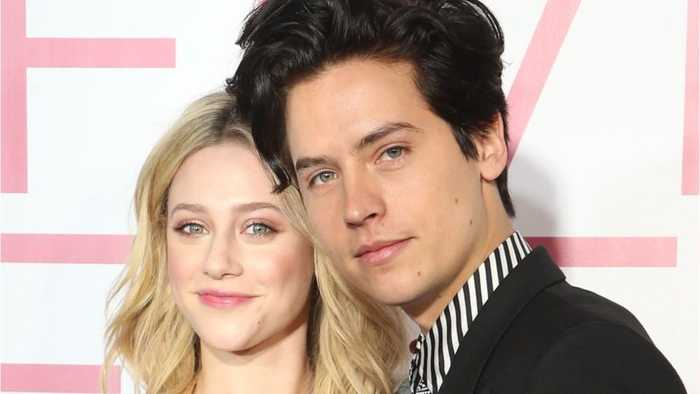 Lili Reinhart and Cole Sprouse showed rare PDA on the red carpet, Bughead shippers everywhere rejoice