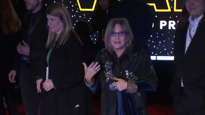Oscar Isaac happy Carrie Fisher 'doesn't fade away' in Star Wars: Episode IX'