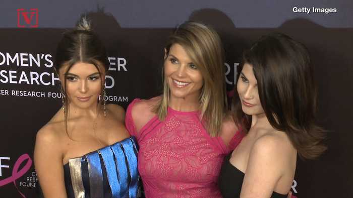 Lori Loughlin's Daughter, Olivia Jade, May Not Have Filled Out Her Own USC Application