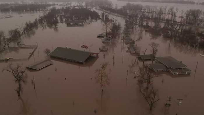 Midwest flooding likely to last into next week
