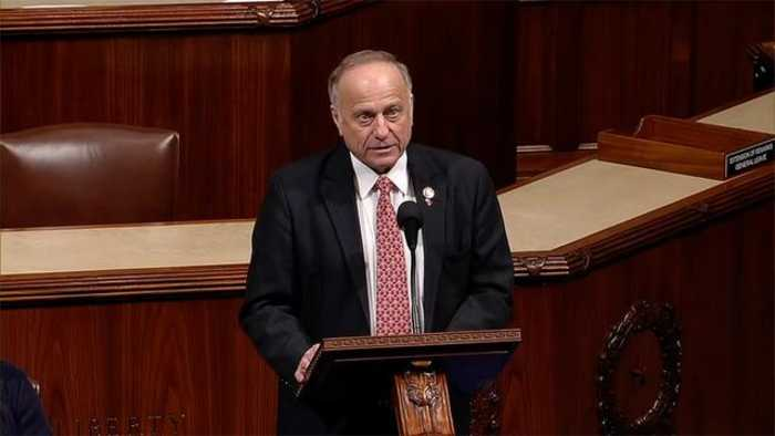 Man Arrested After Allegedly Throwing Water At Rep. Steve King