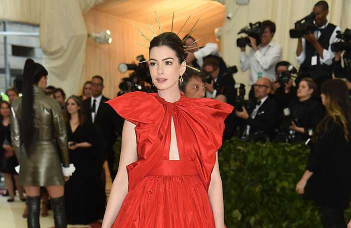Anne Hathaway explains why she stopped drinking